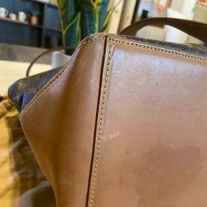 Louis Vuitton Bags - ✨Authentic Louis Vuitton Cabas Mezzo✨